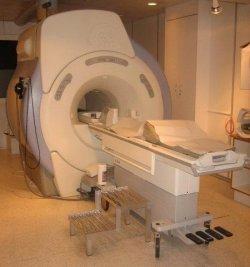 закрытый МРТ томограф GE 1.5 Тл в НИИ им. А.Л. Поленова